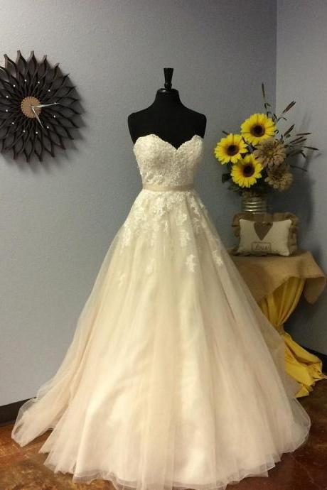 Strapless Sweetheart Lace Appliqués A-line Wedding Dress, Bridal Gown