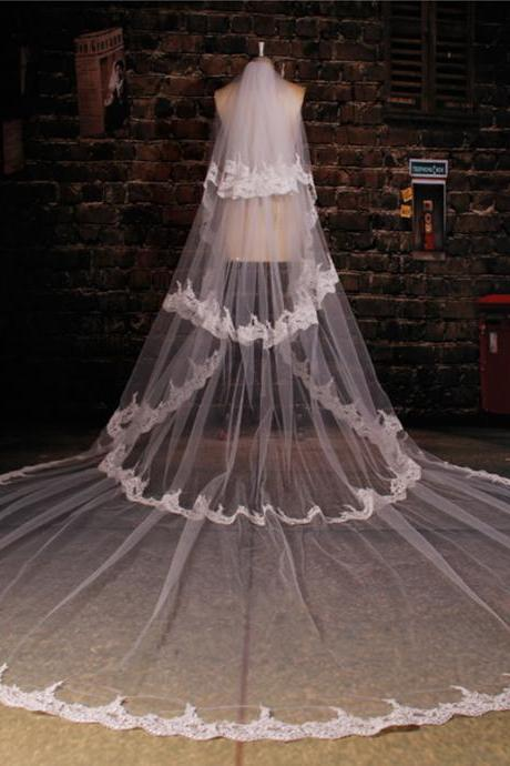 3 Layers Lace Edge Light Ivory Bridal Veil New Royal Style 3.5 Meters Wedding Veil
