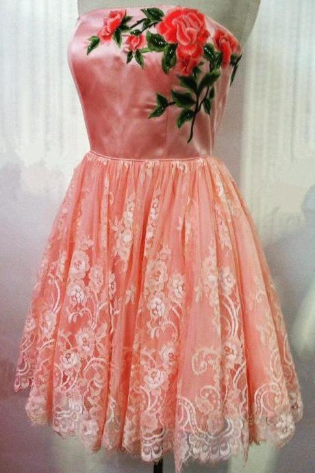 coral prom dresses,lace homecoming dresses,short party dress,embroidery dresses,cute prom gowns